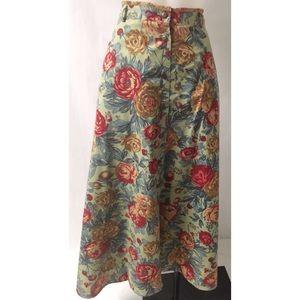 Dresses & Skirts - Green/Red Flare Skirt Size 12